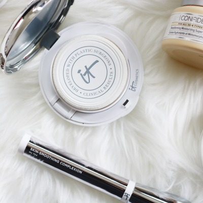 Confience-in-A-Compact–IT-Cosmetics